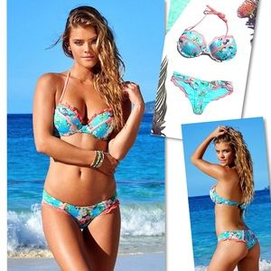 BEACH BUNNY BAHAMA MAMA FLORAL PUSH UP BIKINI TOP